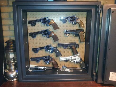 Armandog pistool kluis AC10